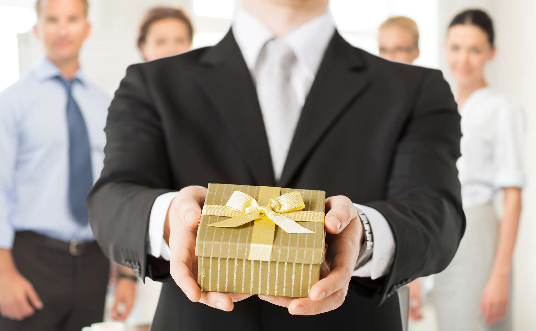8 simple rules for small business gift giving southern charm gift